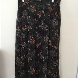 Geiger lined wool full length skirt. 40